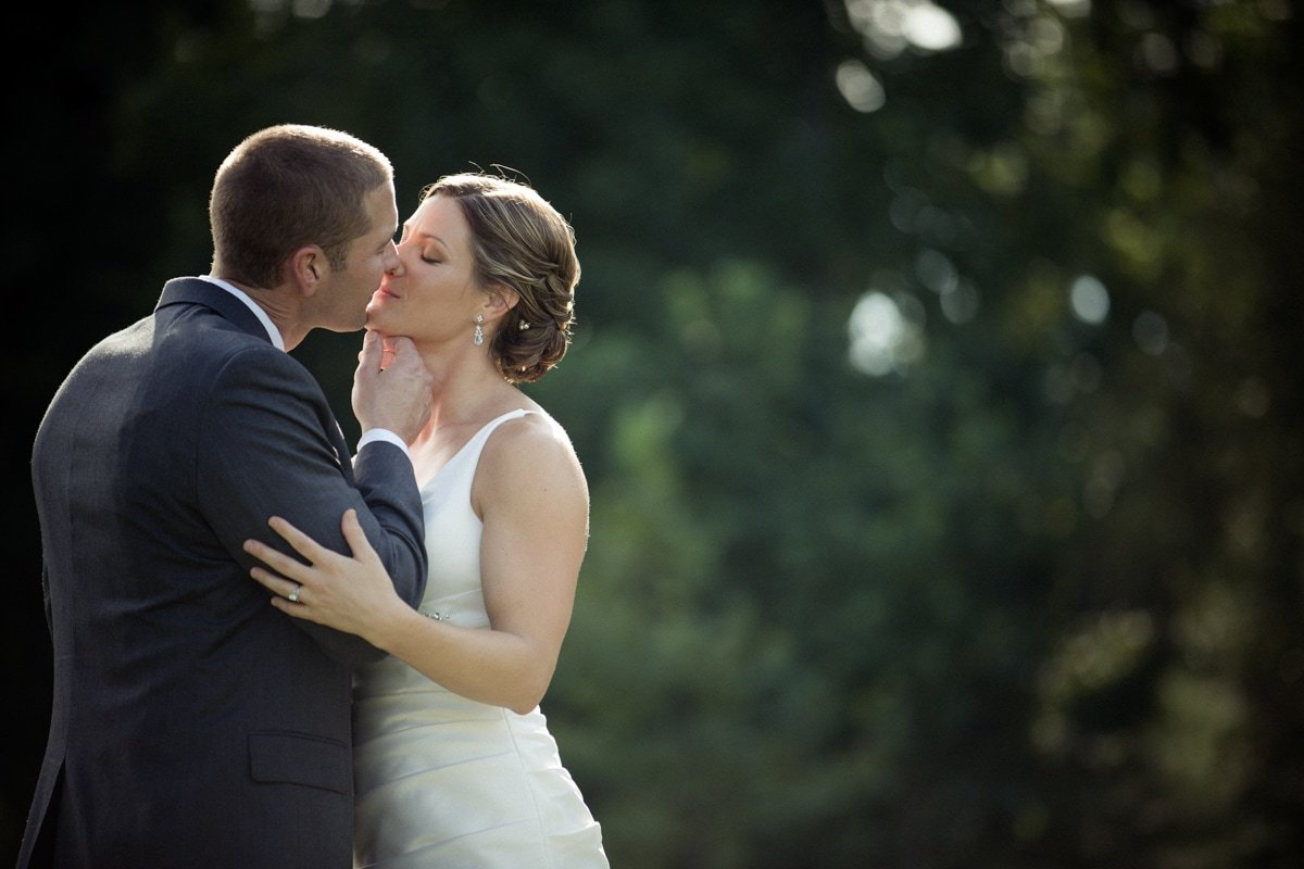 raleigh wedding photographer kiss