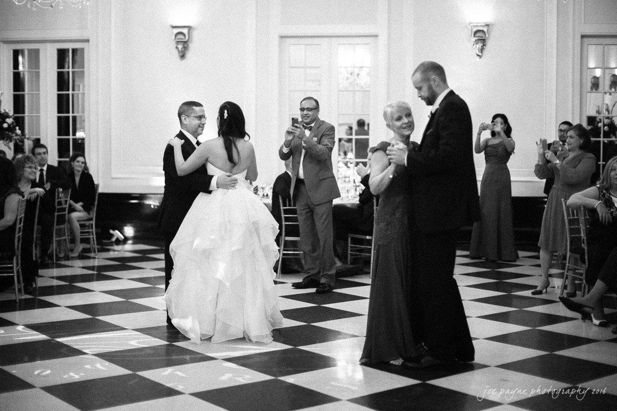 carolina-inn-wedding-photographer-kristen-matt-29