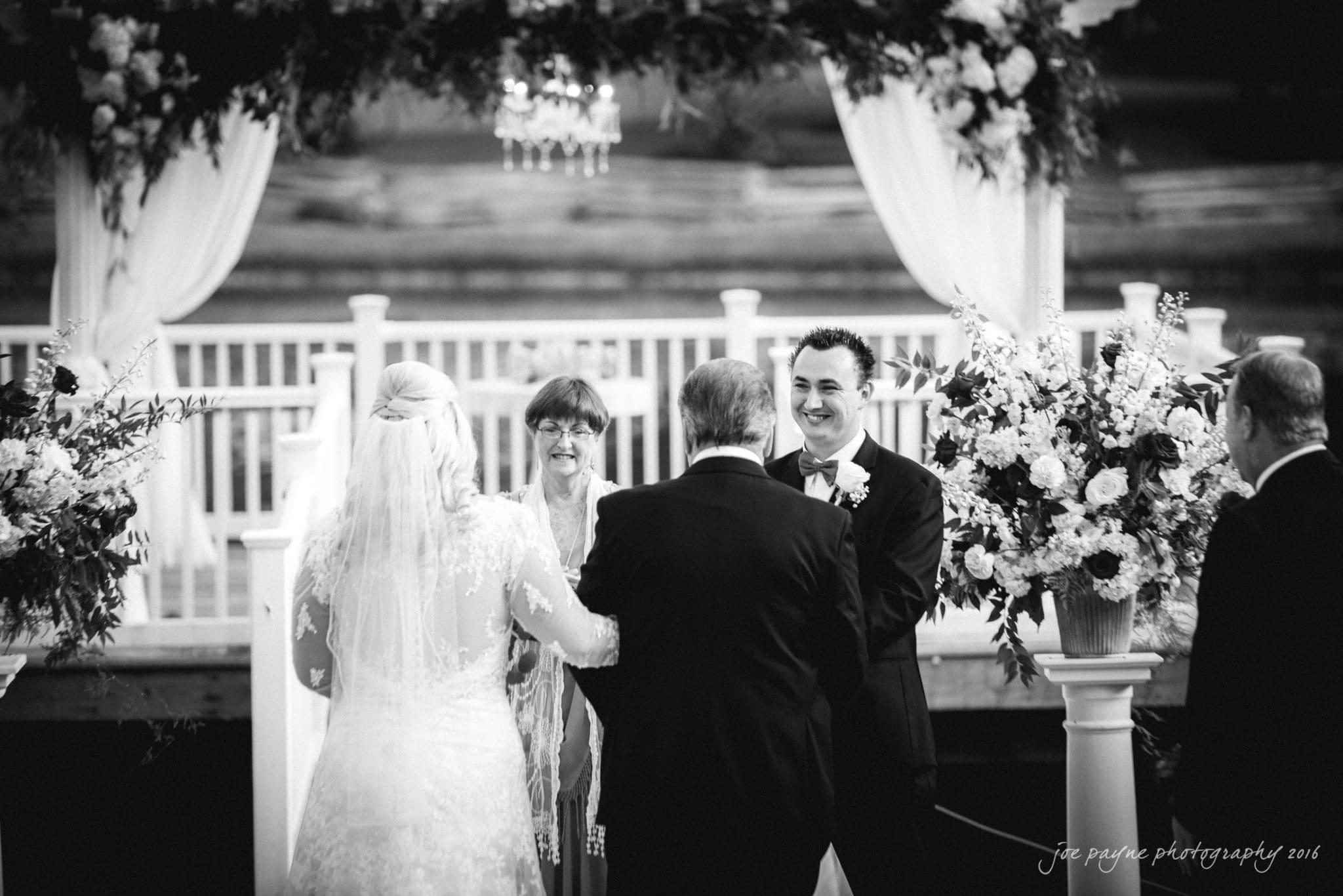 shady-wagon-farm-wedding-photography-danielle-josh-11