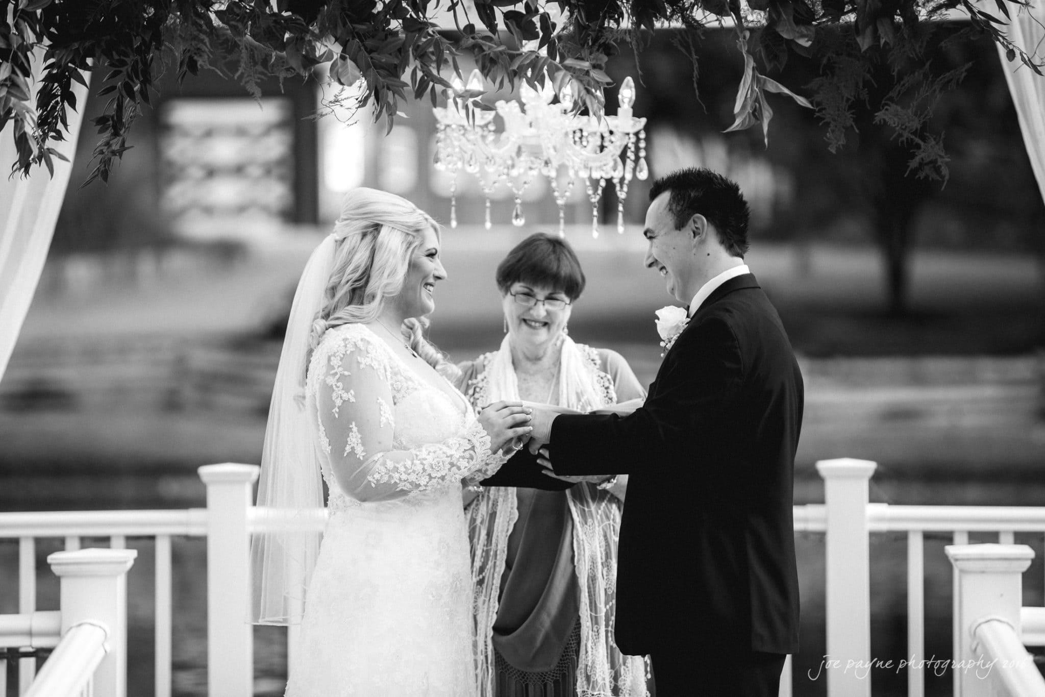 shady-wagon-farm-wedding-photography-danielle-josh-22