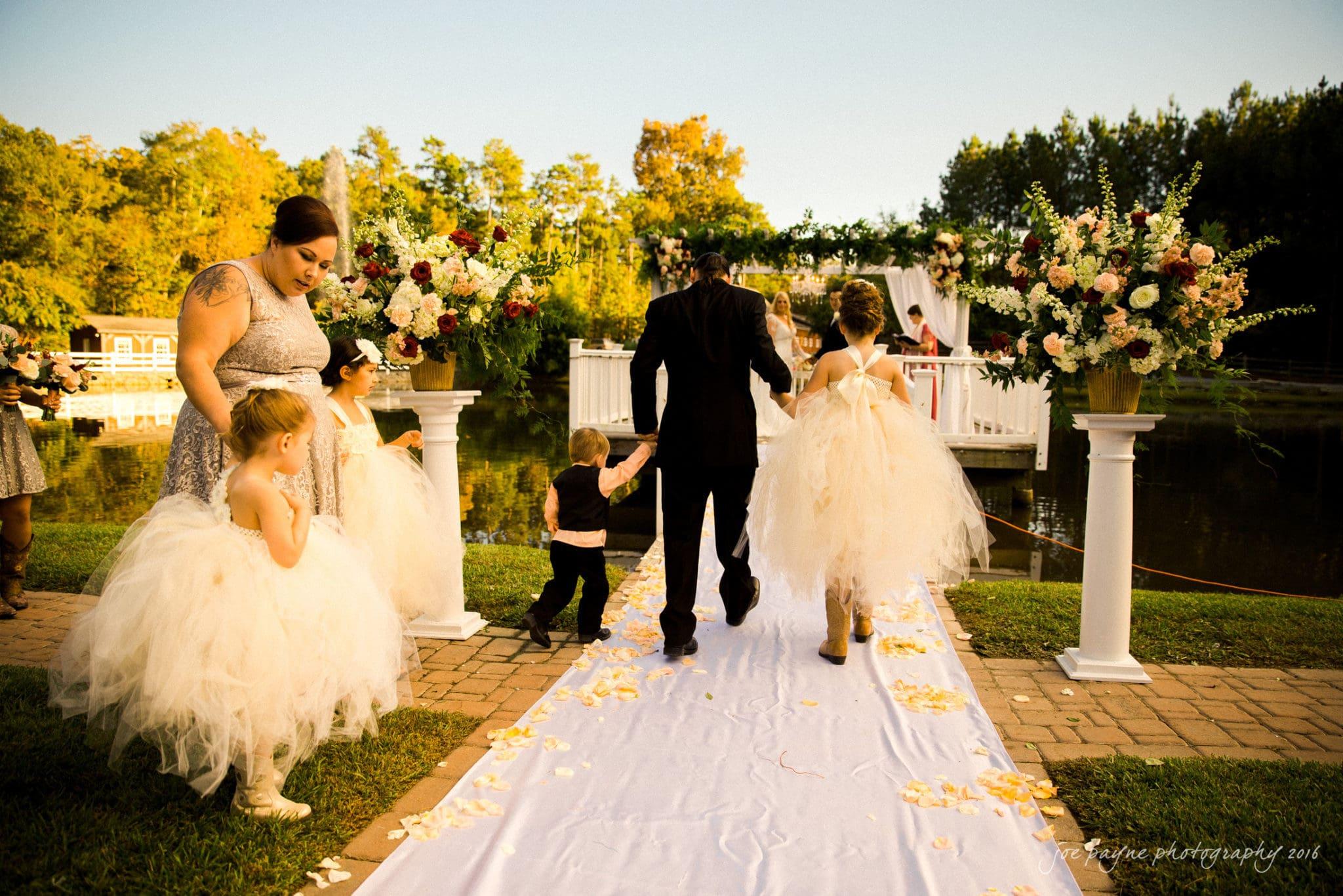 shady-wagon-farm-wedding-photography-danielle-josh-23
