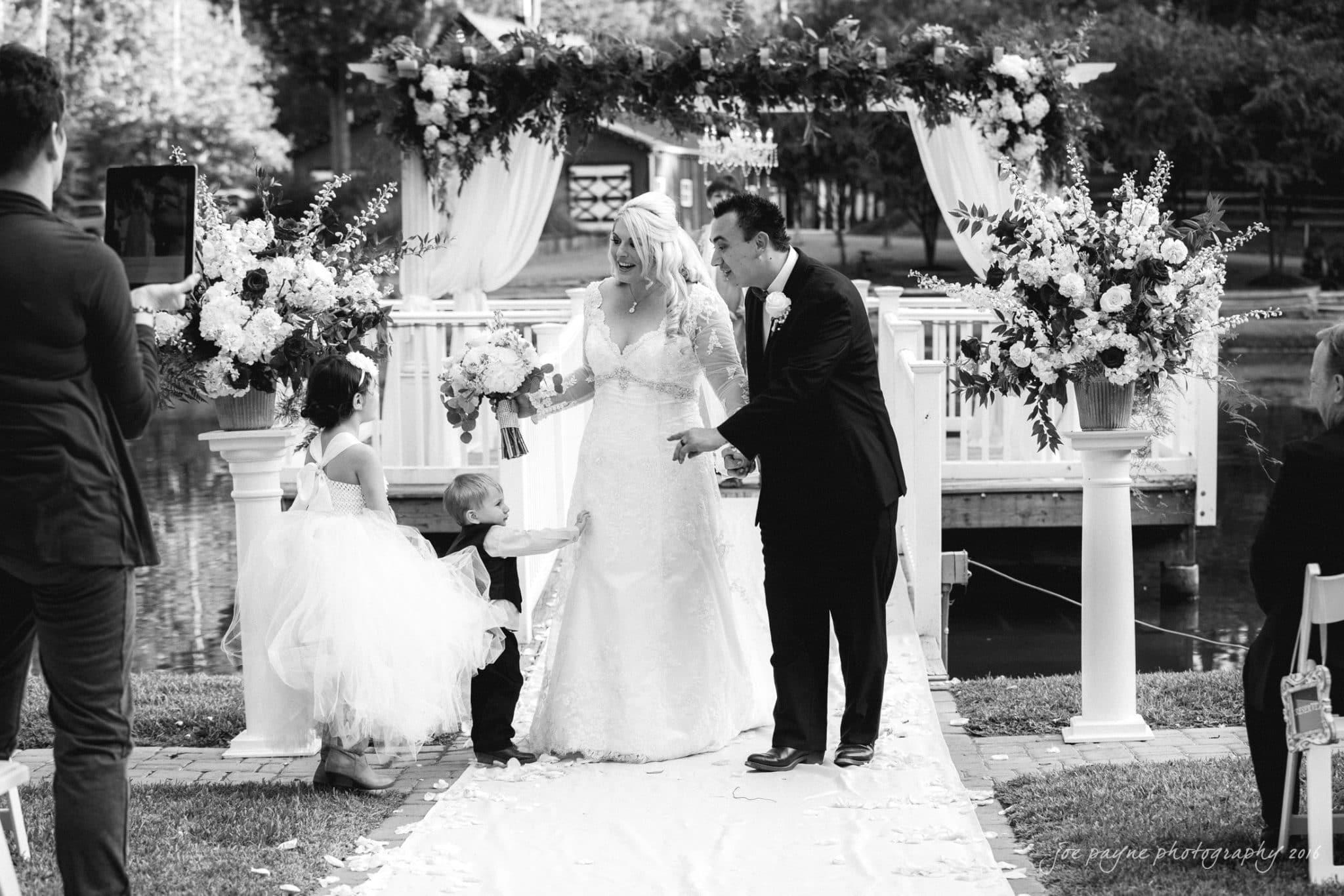 shady-wagon-farm-wedding-photography-danielle-josh-26