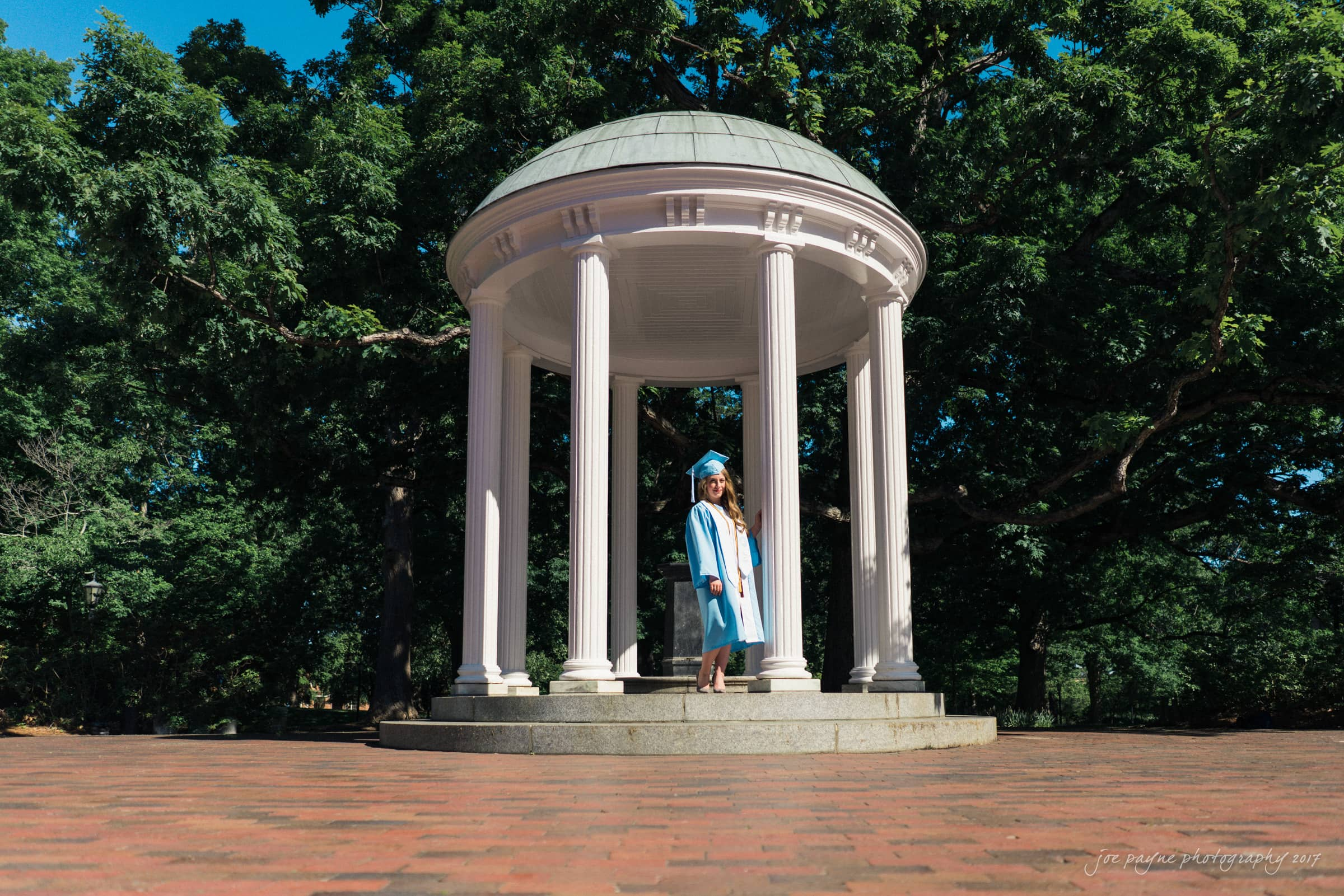 unc chapel hill graduation photographer - lauren's portraits - lauren at old well