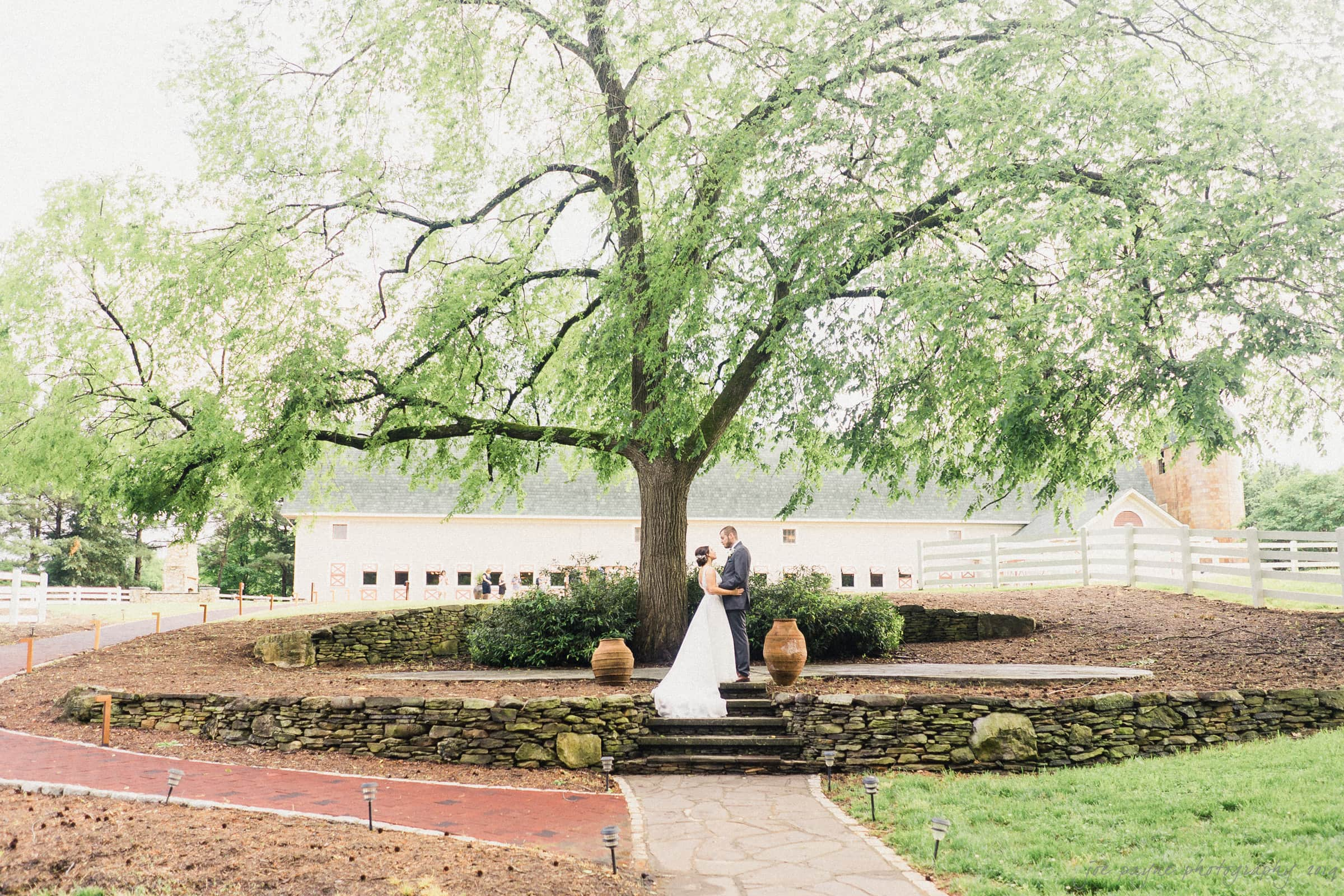 historic wakefield barn wedding – hannah & wayne