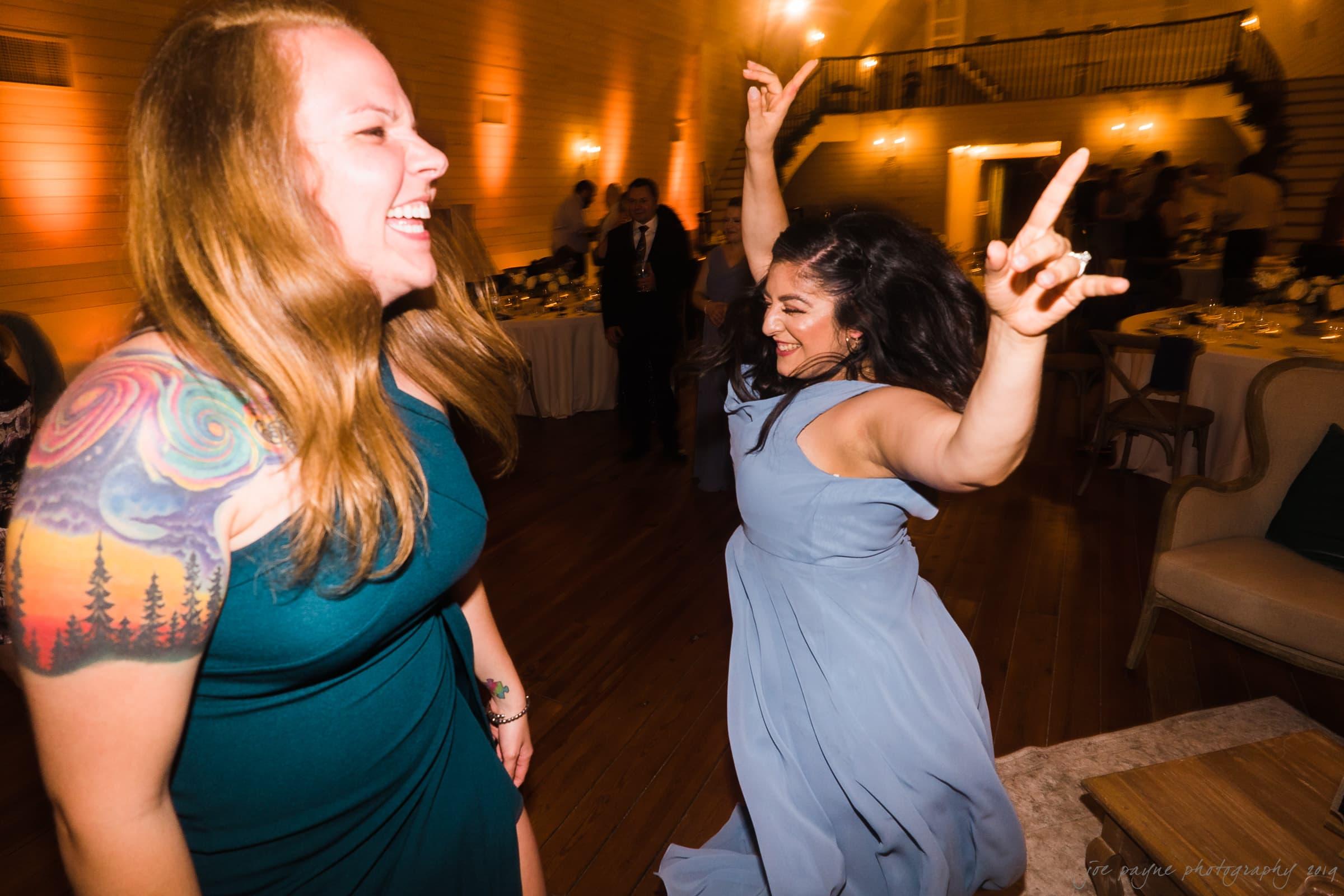 historic wakefield barn wedding – hannah & wayne